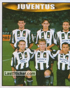 Juventus team (left) (Juventus)